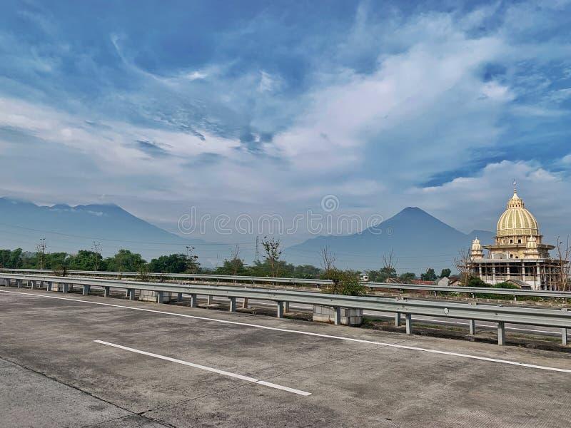 Surabaya- - Malang-Mautstraße stockbild