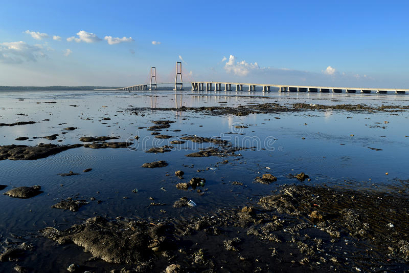 Suramadu-Brücke Surabaya Indonesien lizenzfreie stockbilder