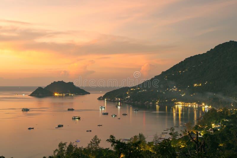 Surathani uno de la isla de tao de la KOH y del puerto del yuan del nang de la mayoría del popula imagen de archivo libre de regalías