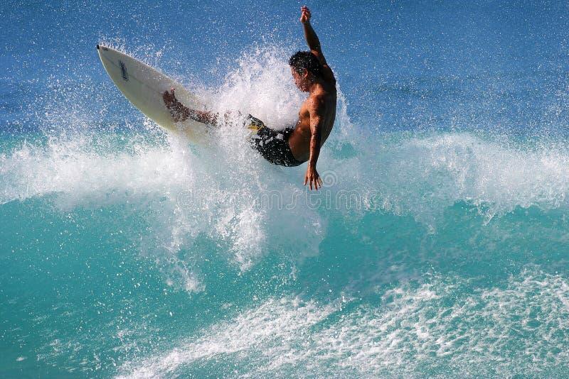 surfa för surfare för hawaii honolulu kairabago arkivbild
