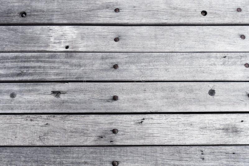 Surface blanche peinte en bois vide de table, fond en bois de couleur claire de texture, planches de vintage avec le vieux modèle photographie stock libre de droits