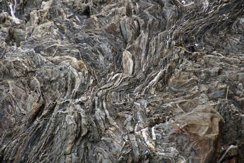 Surface de la falaise de marbre Une pierre naturelle Couleur naturelle et beauté Surface Le versant alpin à l'alevinage chronolog photo stock