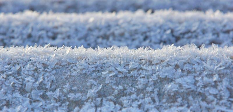 surface de la fin fraîche blanche de fond d'hiver de neige pour la conception image libre de droits
