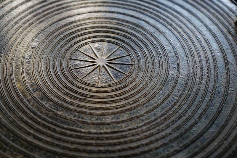 Surface de tambour en bronze magnifique antique, de tambour de grenouille ou de Dr. de pluie images stock