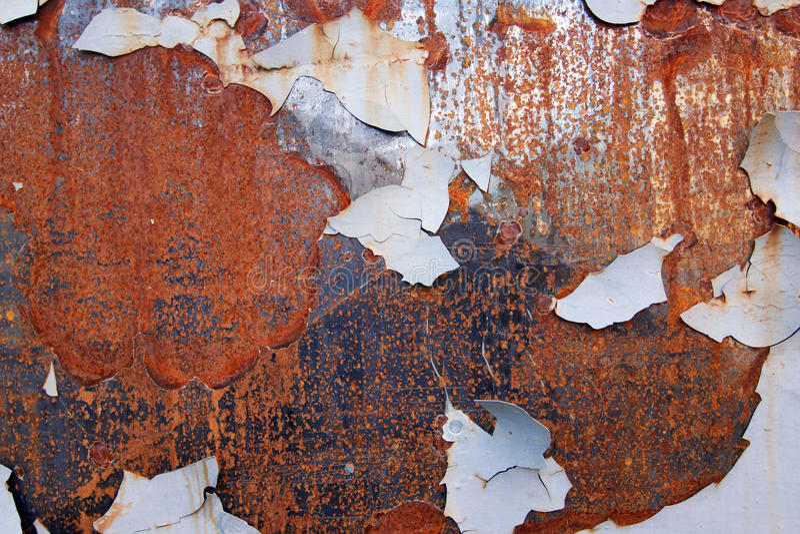 Surface rouillée de fer avec la peinture d'épluchage photo libre de droits
