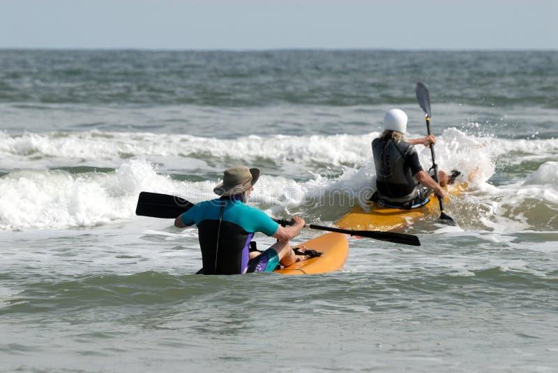 Surfar do caiaque foto de stock royalty free