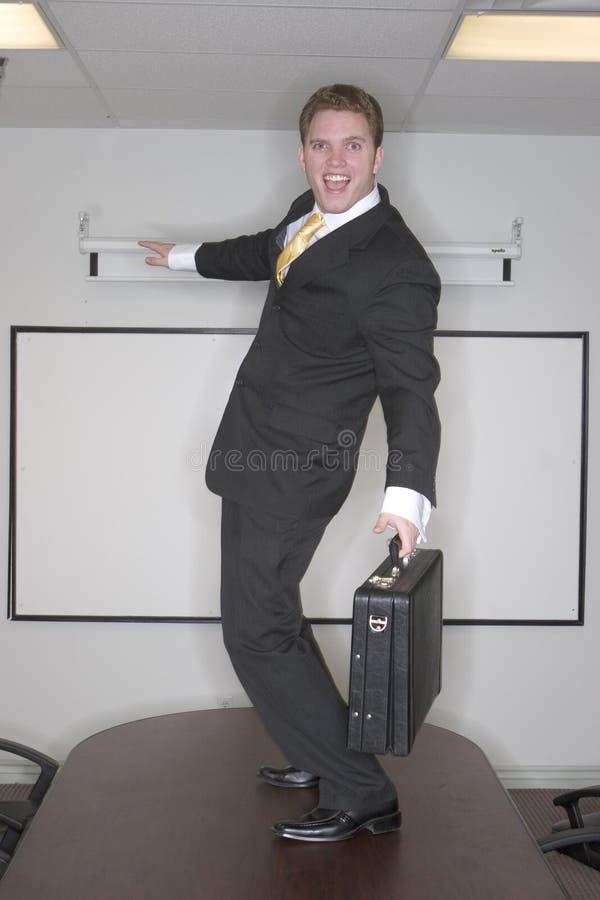 Surfar do homem de negócios imagens de stock