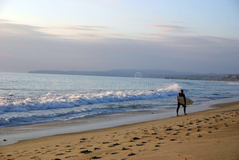 Download Surfare arkivfoto. Bild av folk, fotspår, boaen, män, kant - 31450