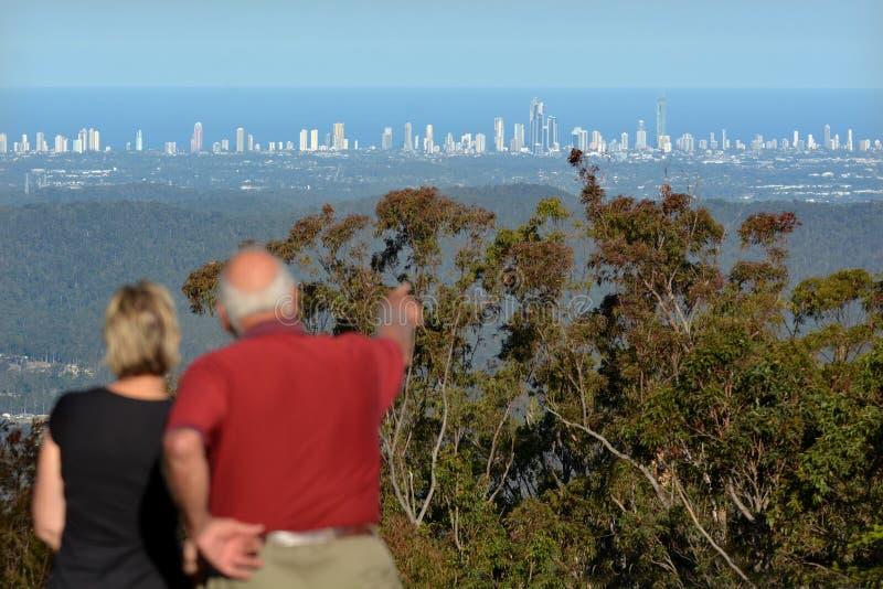 Surfareparadishorisont - Gold Coast Queensland Australien arkivfoton