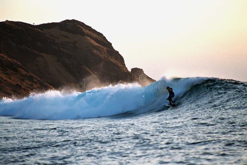 Surfen lizenzfreies stockbild