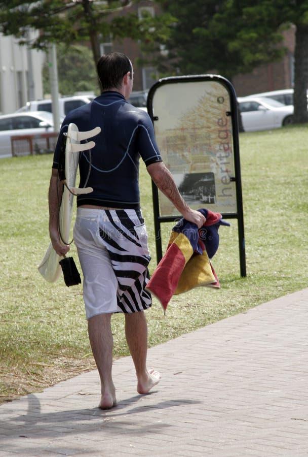 Download Surfer image stock. Image du panneau, été, plage, marche - 2125047