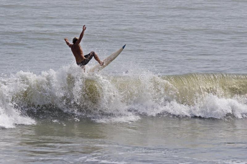Download Surfer στοκ εικόνα. εικόνα από θάλασσα, διασκέδαση, διακοπές - 379275