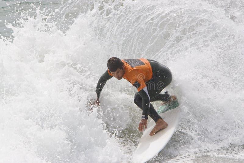 Surfer d'homme - virage images stock