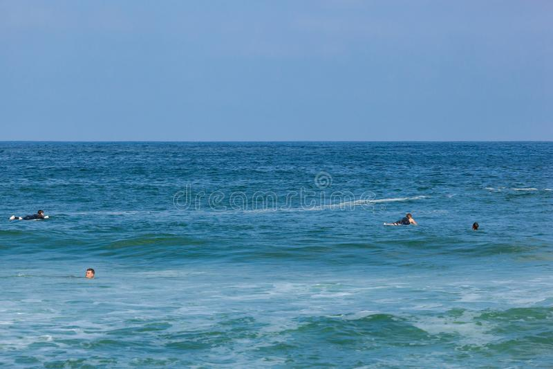Surfer dans le New Jersey d'affaire photo libre de droits
