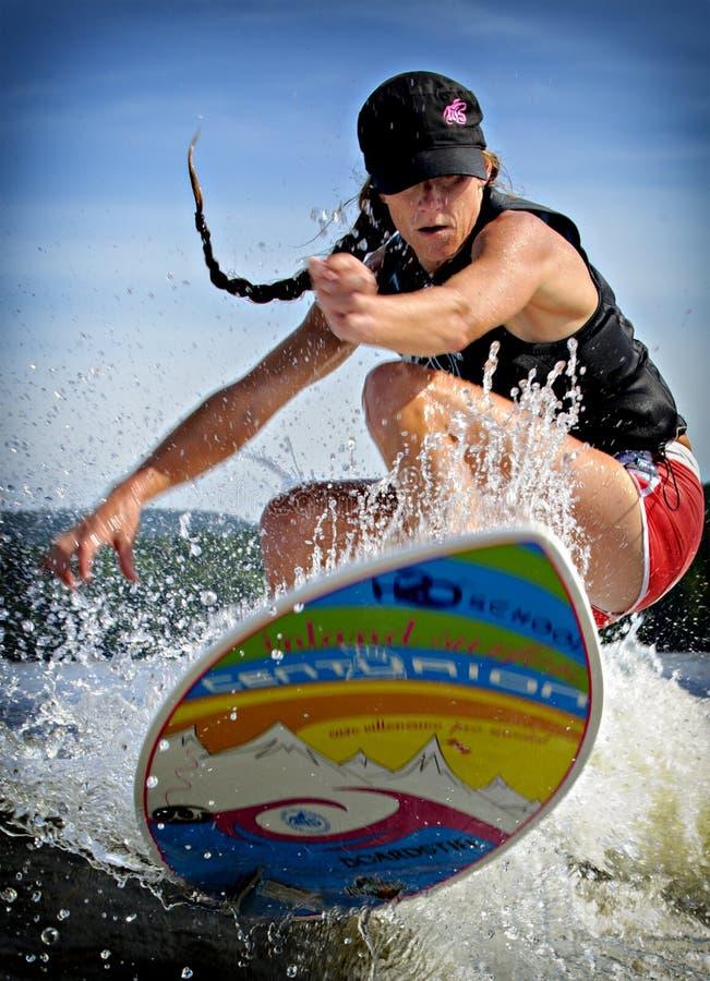 Surfer de sillage photo stock