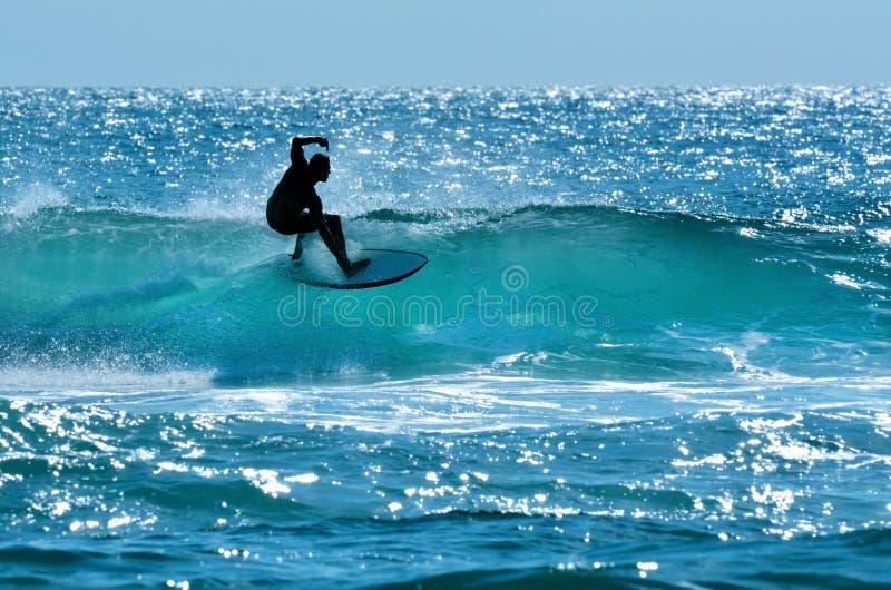 Surfer im Surfer-Paradies Gold Coast Australien stockbild