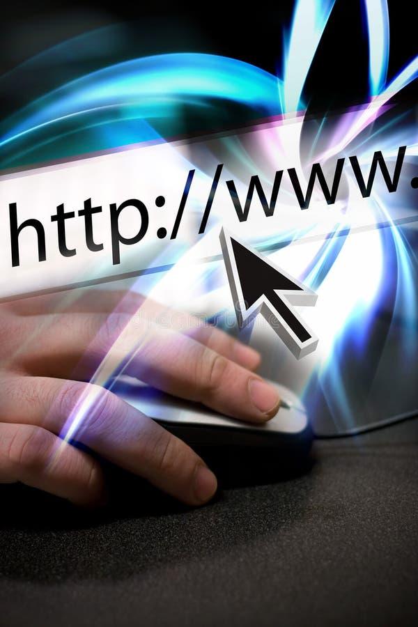 Surfer l'Internet images stock