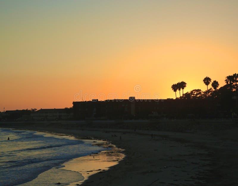 Surfer& x27; tramonto di Ventura California del punto di s immagine stock libera da diritti