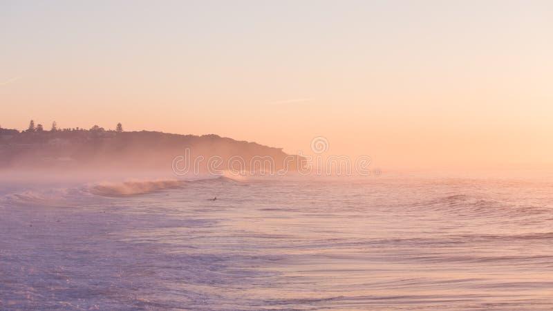 Surfers het wachten stock afbeelding