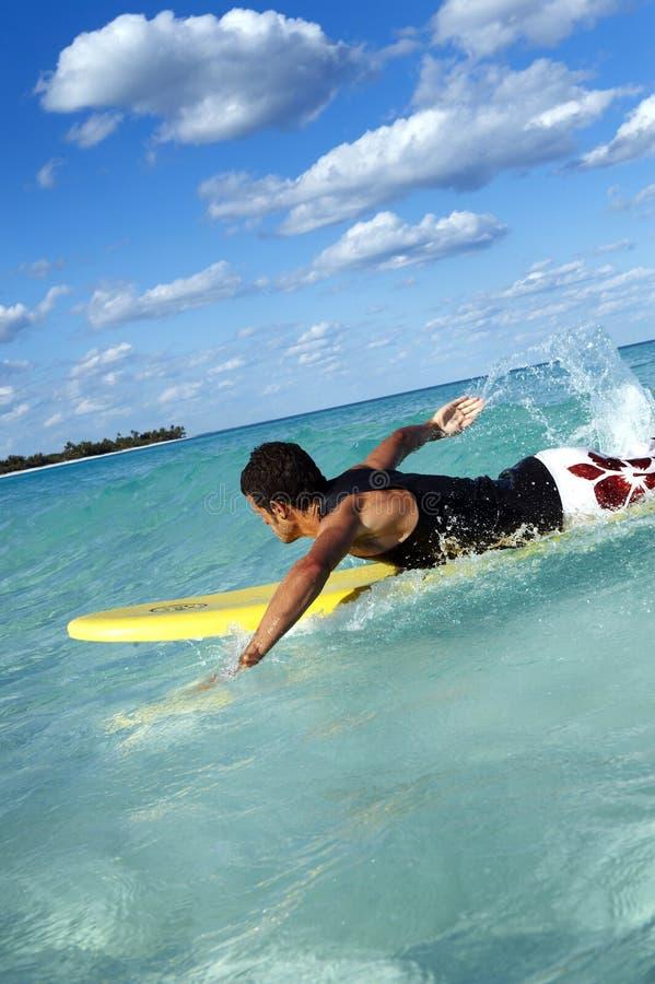 surfingowa dopłynięcie fotografia stock