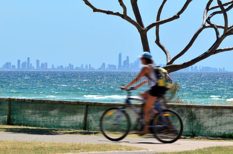 Surfingowa raju linia horyzontu - złoto Brzegowy Queensland Australia zdjęcia royalty free