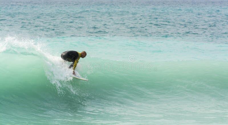 Surfingowiec w Ładnym Francja fotografia stock