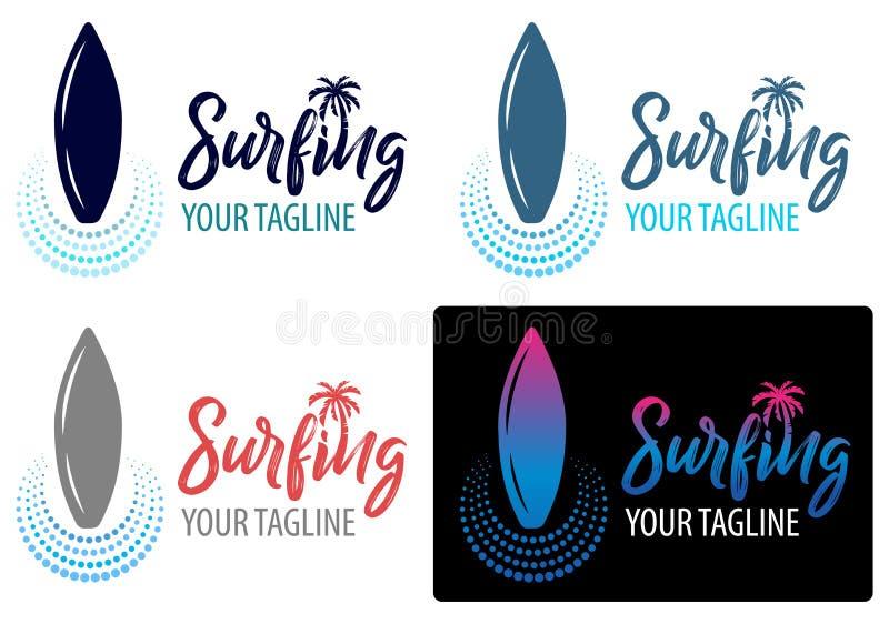 Surfingu logo dla kipiel sklepu lub klubu literowanie emblemat kipiel klub z surfing deski drzewka palmowego tłem ilustracja wektor