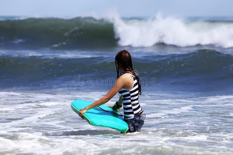 Surfista - donna fotografia stock