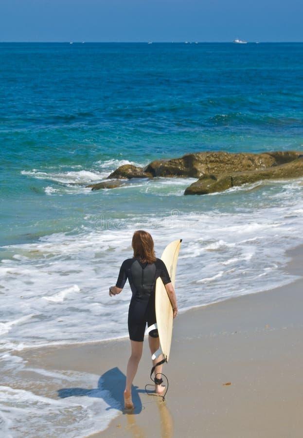 Surfista fêmea fotografia de stock