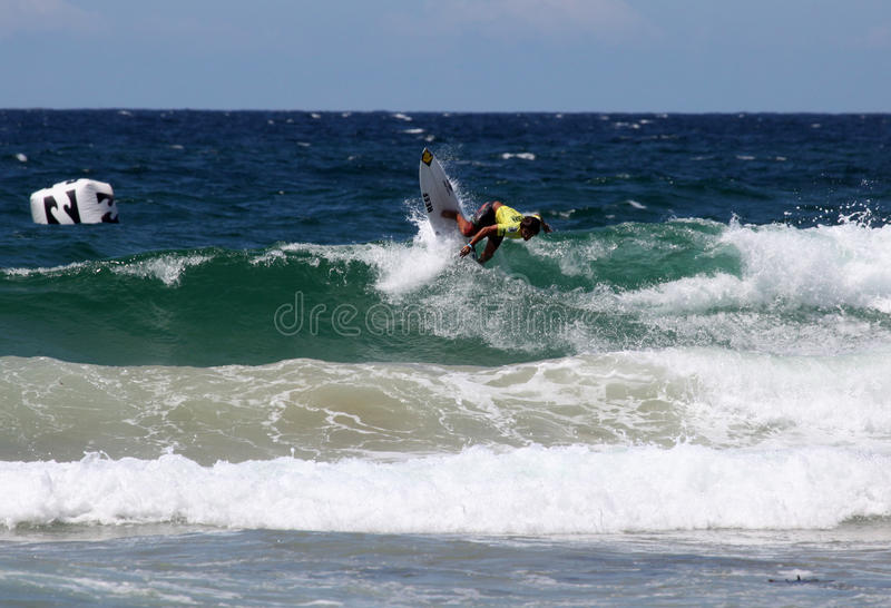 Surfista profissional - viril aberto de Austalian