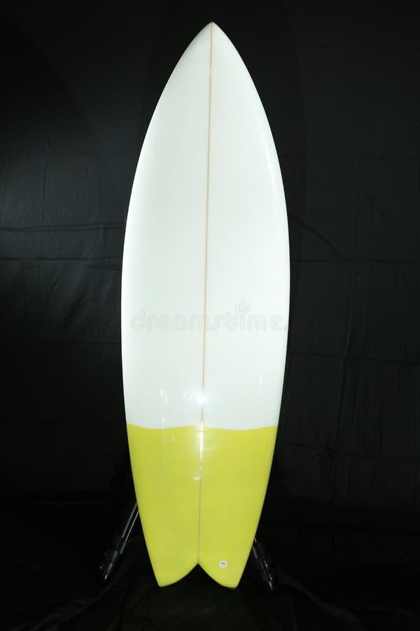 Surfplankfoto die in studio schieten royalty-vrije stock afbeeldingen