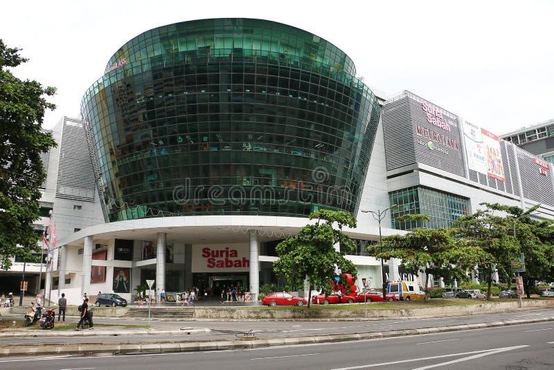 Suria Sabah shoppinggalleria, Kota Kinabalu stad royaltyfria bilder