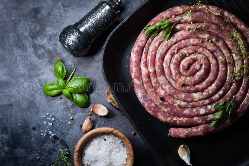 Surowa kiełbasa dla grilla zdjęcie stock