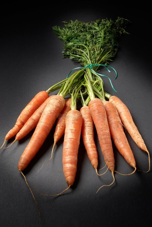 Surowe organicznie marchewki zdjęcia stock