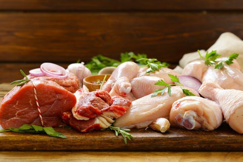 Surowego mięsa asortyment - wołowina, baranek, kurczak zdjęcie royalty free