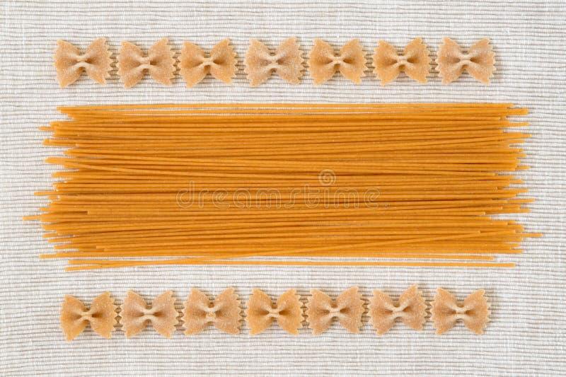 Surowego Włoskiego makaronu tekstury tła projekta abstrakcjonistyczny wzór obraz stock