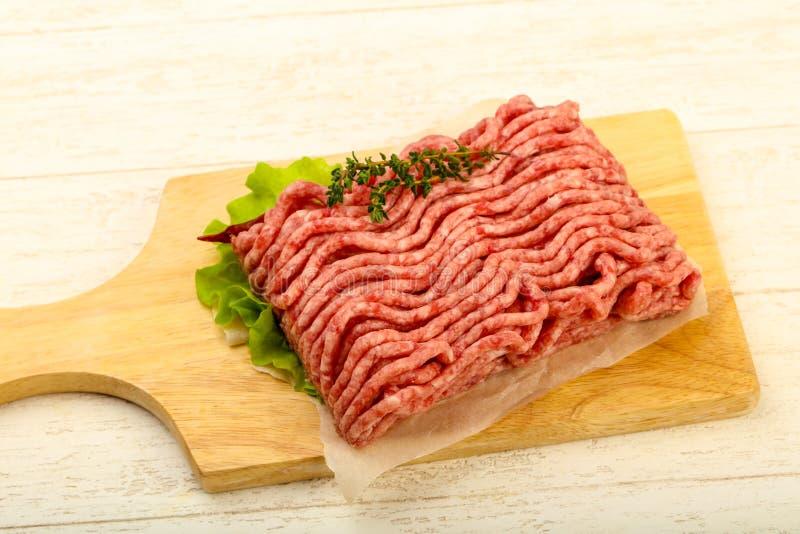 Surowy minced wołowiny mięso zdjęcia royalty free