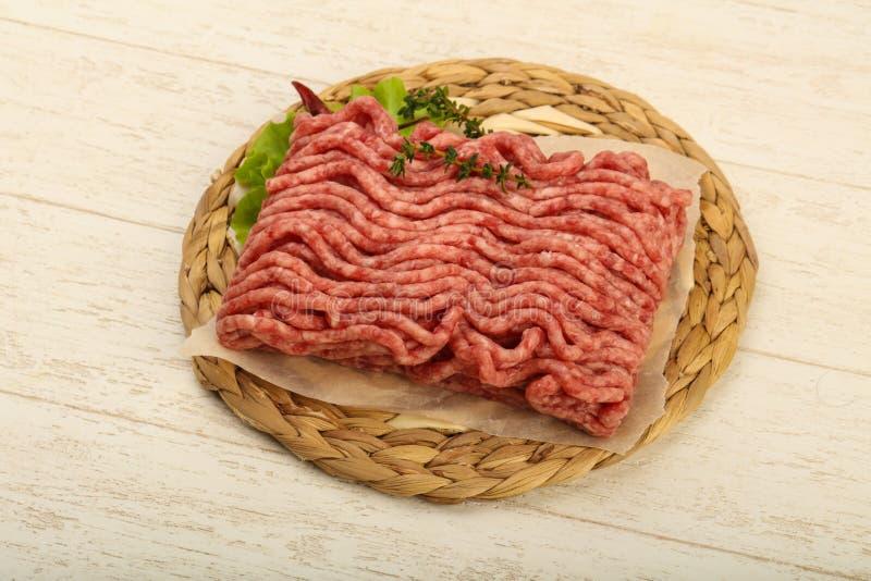 Surowy minced wołowiny mięso obrazy royalty free