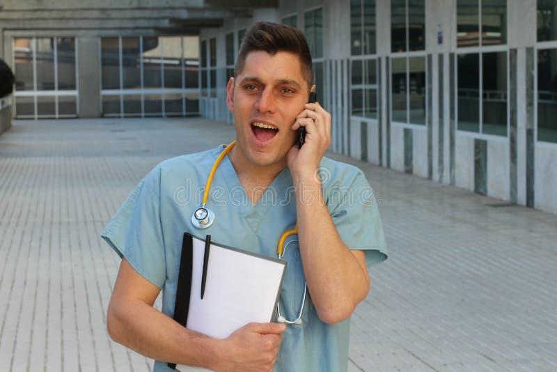 Surpresa cômico do sentimento do trabalhador dos cuidados médicos imagens de stock royalty free