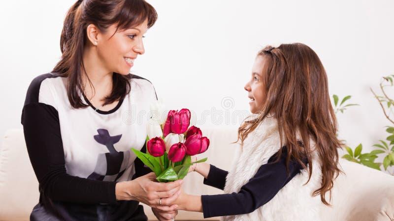 Surpresa do dia de mãe imagens de stock royalty free