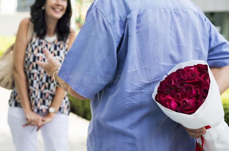 Surpresa romântica do aniversário de casamento do amor imagens de stock royalty free