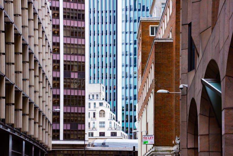 Surrealistische Close-upmening van de moderne bureaubouw van skyscapers Londen, Engeland stock fotografie