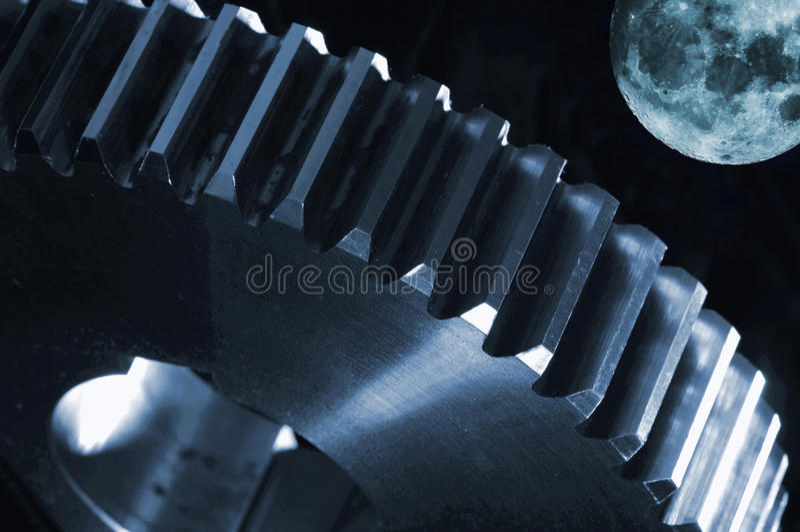 Surrealistyczny koło przeciw księżyc w pełni obraz stock