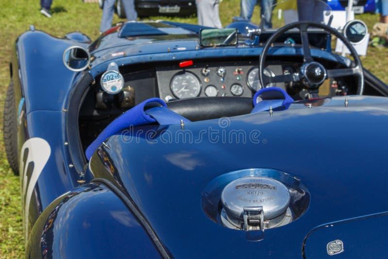 SURREY, UK - OKOŁO 2015: Jaguar XK120, Klasyczny samochód obrazy stock