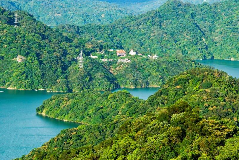surround гор озера стоковая фотография rf