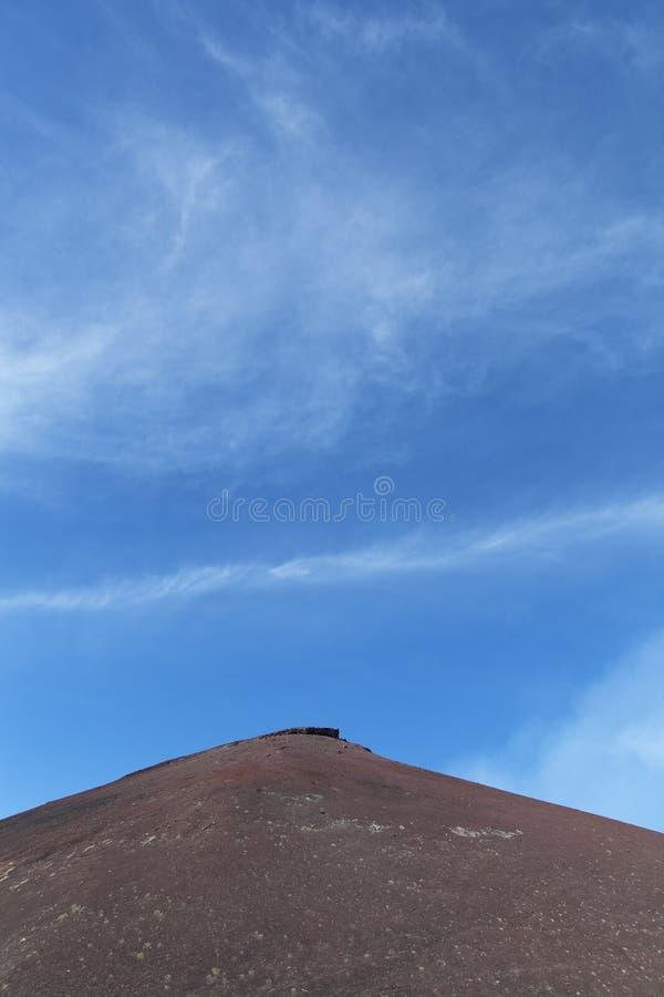 Download Surroundinngs Del Monte Etna, Sicilia Imagen de archivo - Imagen de azul, desierto: 41918457