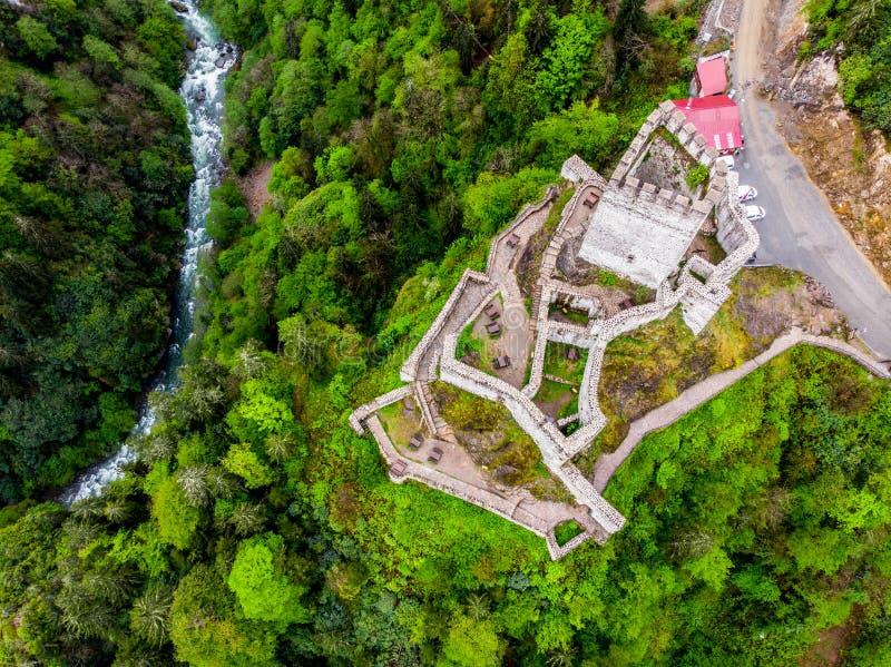 Surrsikt till den Trabzon slotten arkivbild