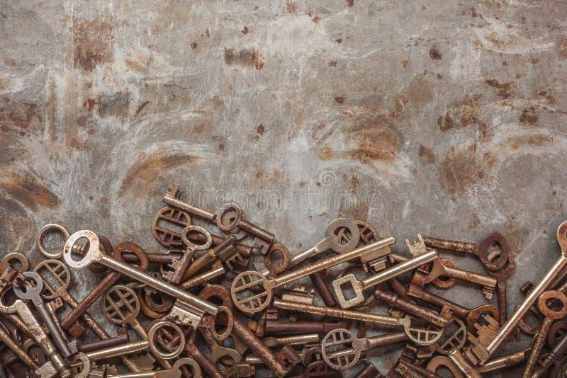 Surtido de claves de la vendimia imagen de archivo libre de regalías
