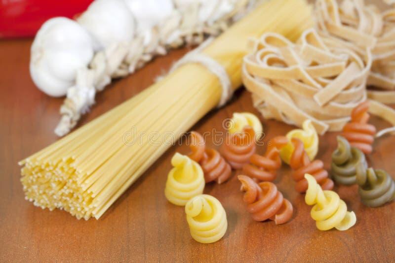 Surtido de los espaguetis de las pastas diverso fotografía de archivo libre de regalías