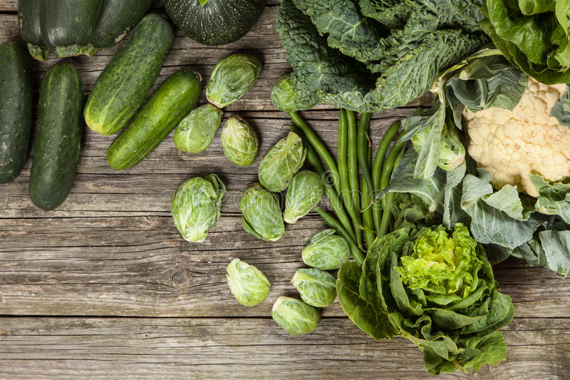 Surtido de verduras verdes foto de archivo libre de regalías
